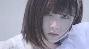 暁月凛、砂丘での幻想的な新アー写&MVを一挙解禁!