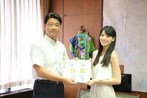 矢島舞美が小田原市長に表敬訪問!!遊ぶ。ふれあう。…